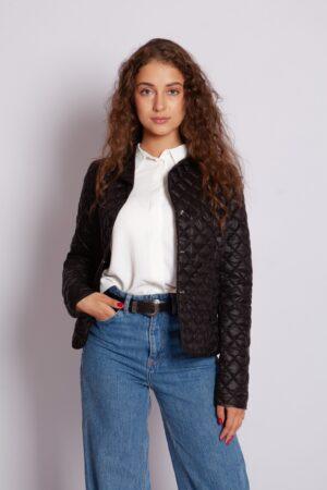 Стёганная демисезонная куртка чёрного цвета