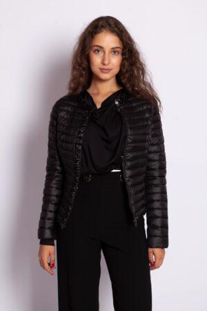 Стёганная демисезонная куртка с камнями чёрного цвета